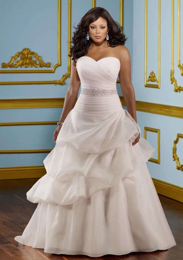 Фото полных в свадебных платьях