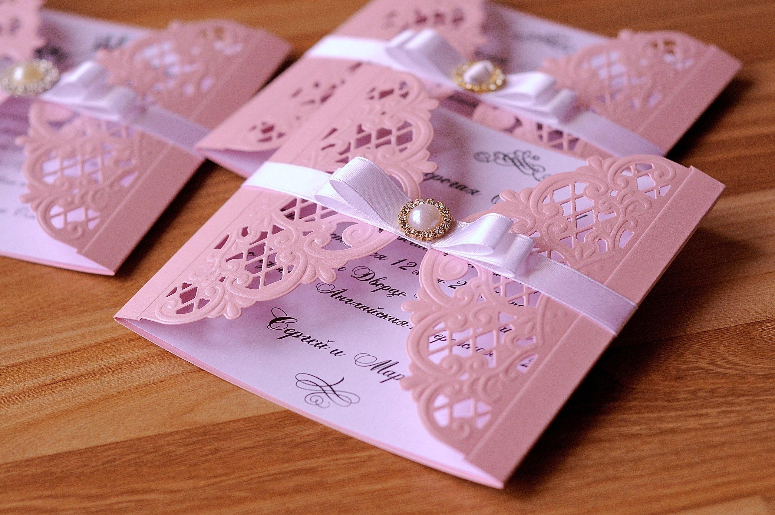 Как оформить свадебное приглашение с тканью своими руками
