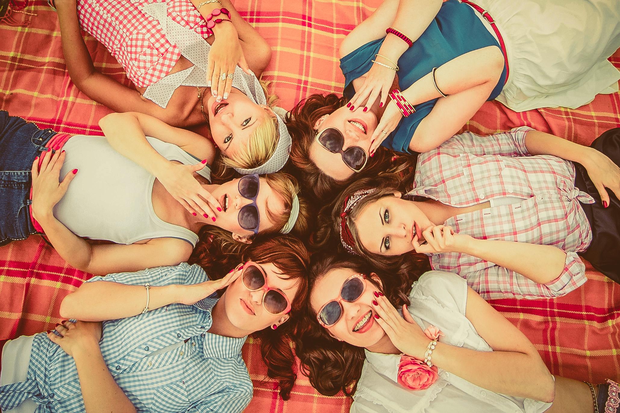 Студенты веселятся в сауне 27 фотография