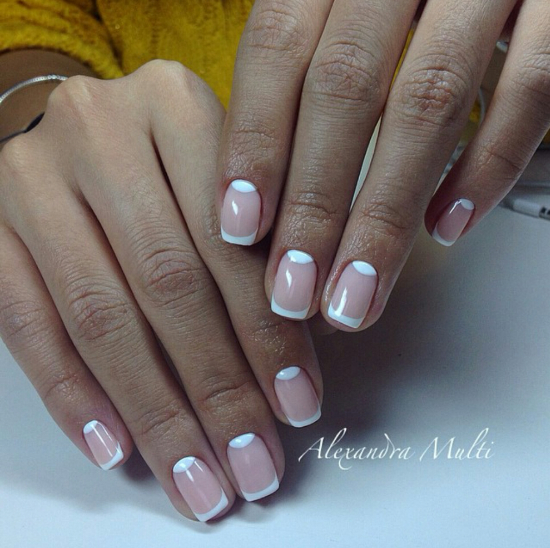 Маникюр с рисунком на одном пальце фото на короткие ногти