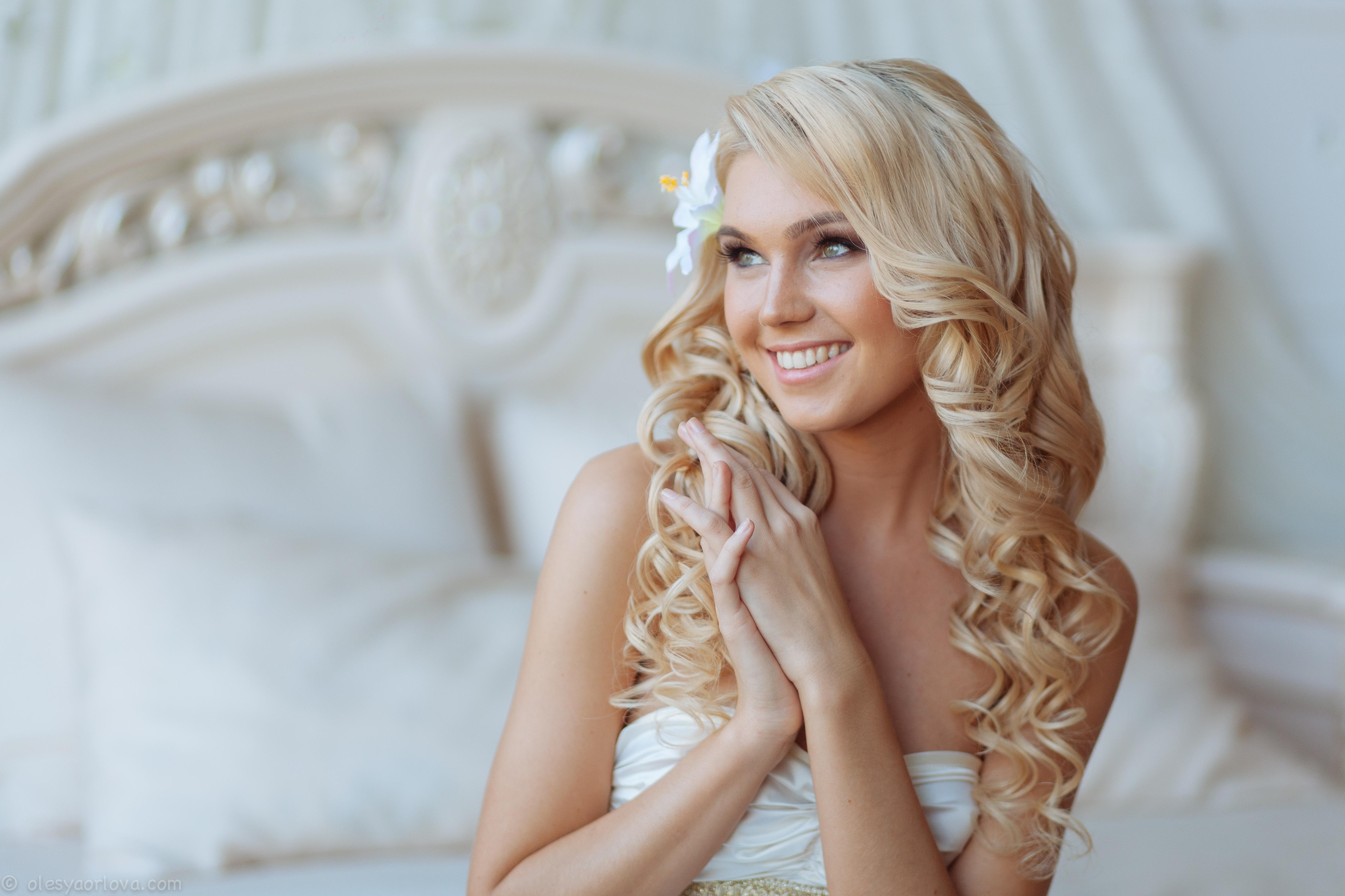 Фото свадебная прическа блондинки с
