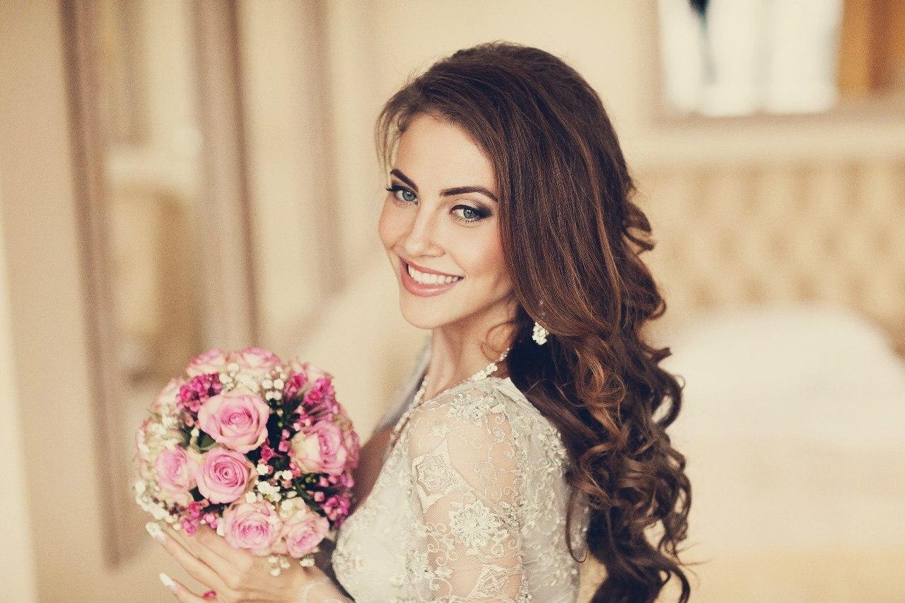 Прическа на свадьбу маме жениха