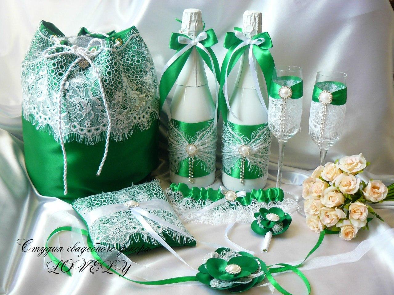 Украшения зеленого цвета своими руками