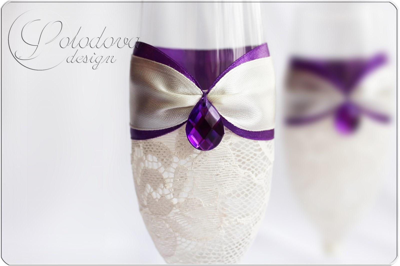 Бокалы на свадьбу своими руками с кружевом и лентой