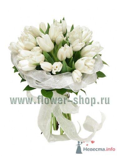 Букет невесты из белых тюльпанов.