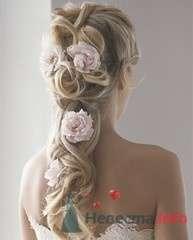 Прическа невесты с розовыми цветами в волосах. - фото 317 simik