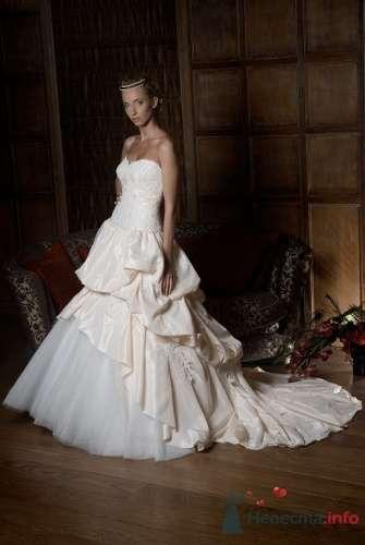 Фото 5402 в коллекции Каталог платьев - Невеста01