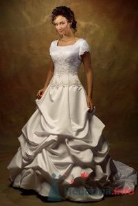 Свадебное платье Venues с закрытыми плечами, атласной присборенной - фото 155 Невеста01