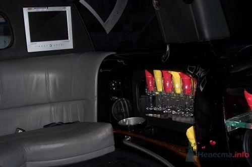 Фото 4786 в коллекции джип - лимузин черного цвета (17 мест)