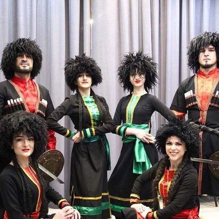 """Выступление шоу-балета """"Кавказ"""""""