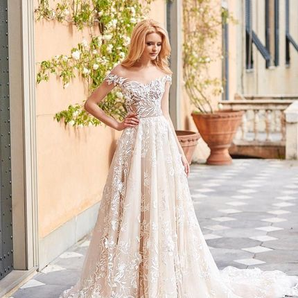 Платье, модель Barbora