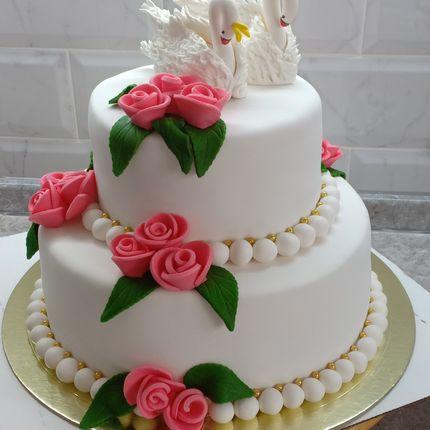 """Классика торт """"Белые лебеди"""", от 5 кг"""
