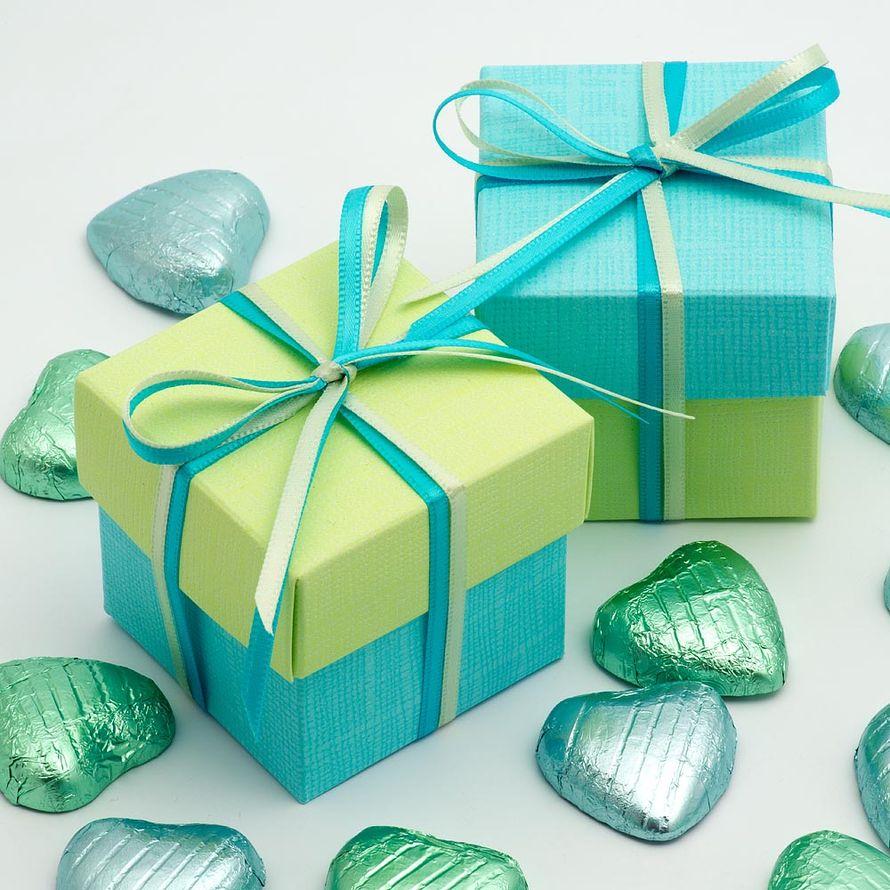 картинка голубой подарок
