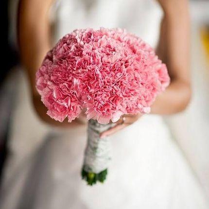 Букет невесты с гвоздикой