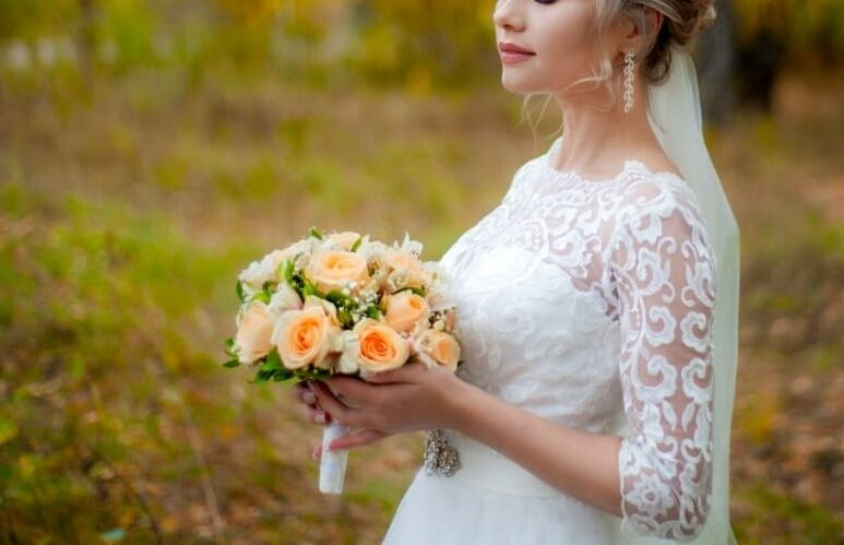 Кремовый букет невесты