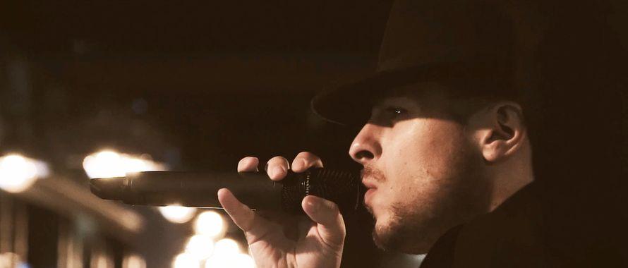 Выступление вокалиста, до 1 ч.