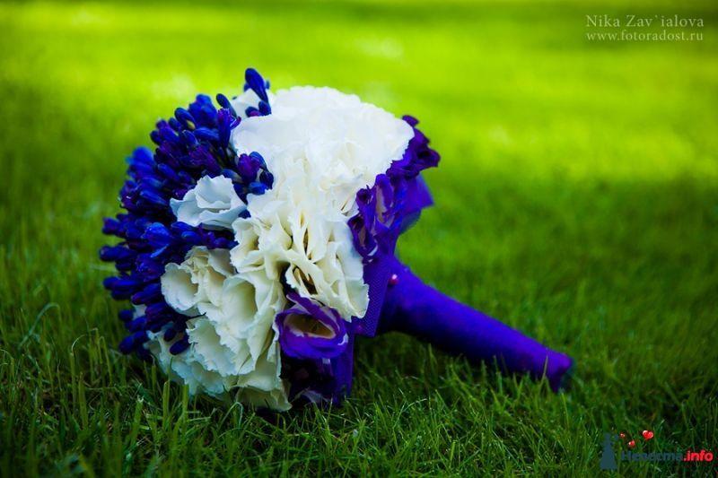 Букет невесты из гиацинта белого, цветов
