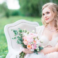 Утро невесты, букет невесты, сборы невесты в лесу, свадьба в стиле шебби шик