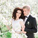 свадебная фотосессия в вишневом саду, вишневый сад