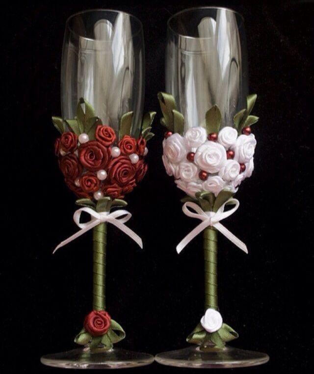 Украсить бокалы на свадьбу своими руками атласными лентами