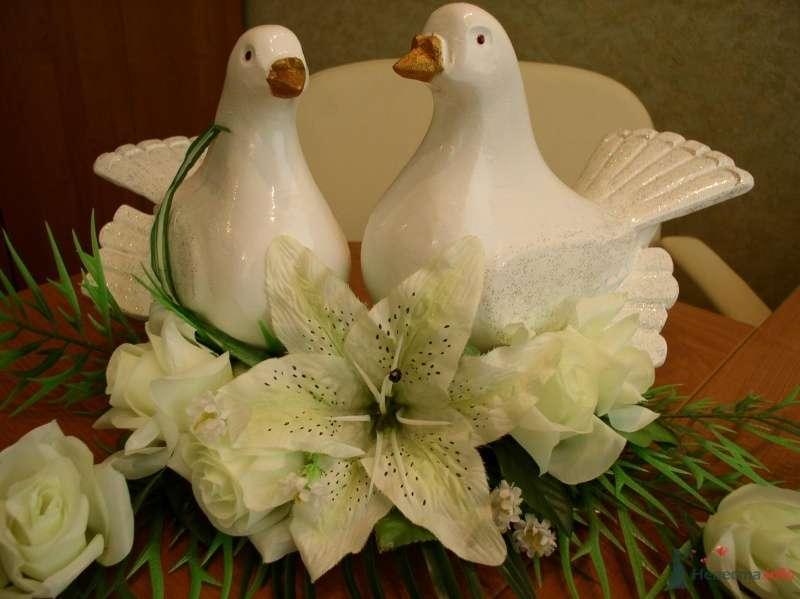 Голуби символ любви цена 4000руб.т.8-951-86-88-187 - фото 70378 Украшения на свадебные авто