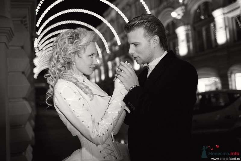 Елена и Александр (ГУМ, Москва) - фото 70716 Свадебные фотоистории от Андрея Егорова