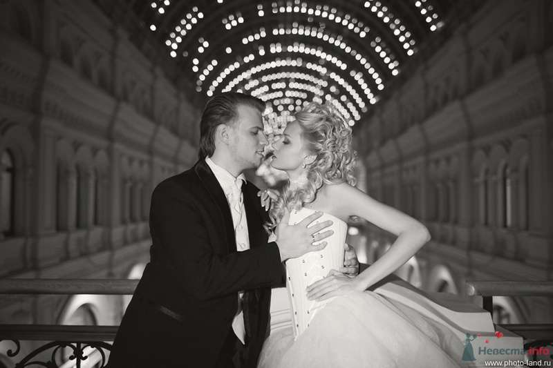 Елена и Александр (ГУМ, Москва) - фото 70720 Свадебные фотоистории от Андрея Егорова