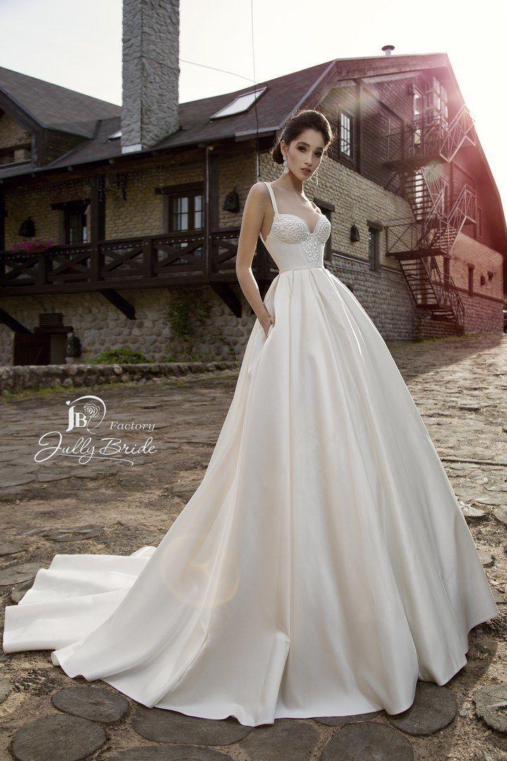 "Фото 14510530 в коллекции ITALIAN BUTIQUE - Салон свадебной и вечерней моды ""Barsonini"""