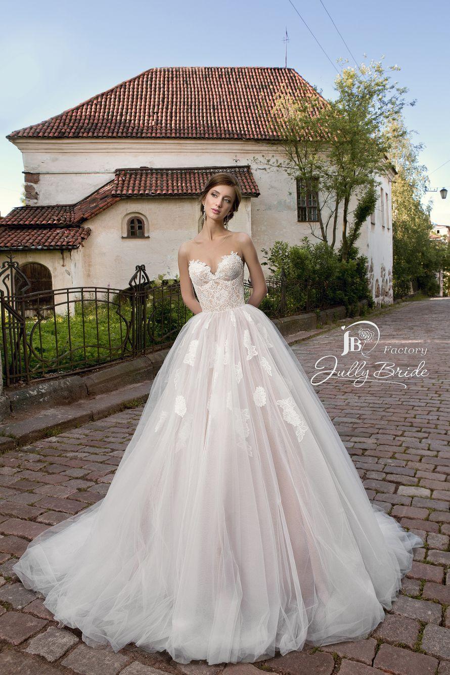 "Фото 14510560 в коллекции ITALIAN BUTIQUE - Салон свадебной и вечерней моды ""Barsonini"""