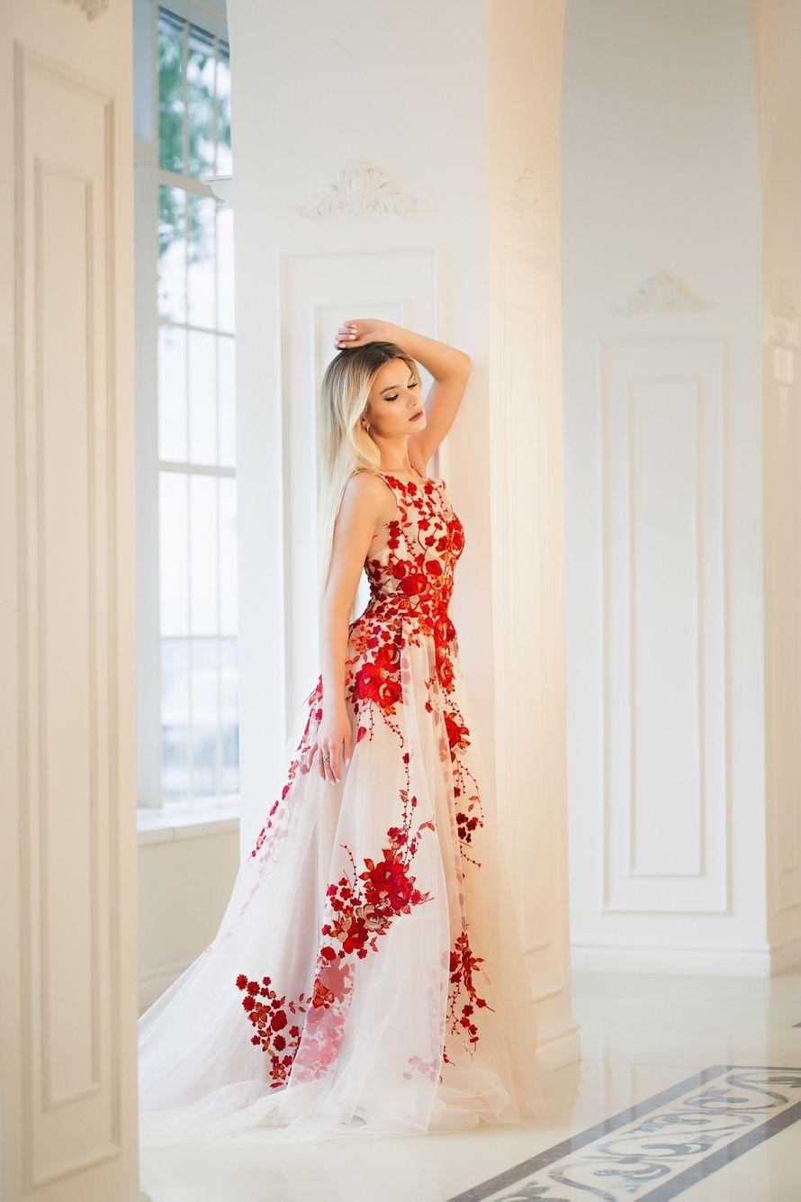 """Фото 17103512 в коллекции Свадебные платья в наличии - Салон свадебной и вечерней моды """"Barsonini"""""""