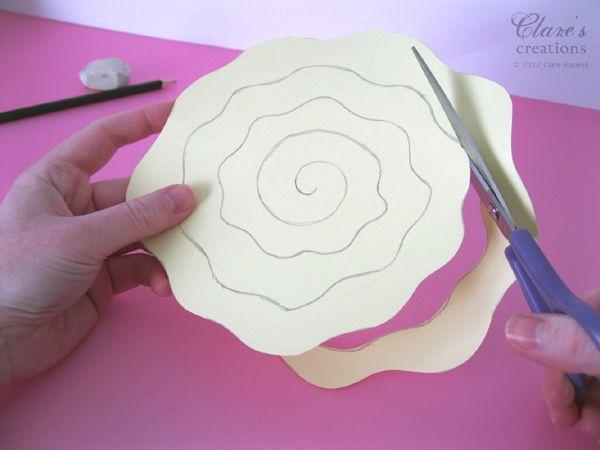 Объёмные цветы из бумаги своими руками поэтапно