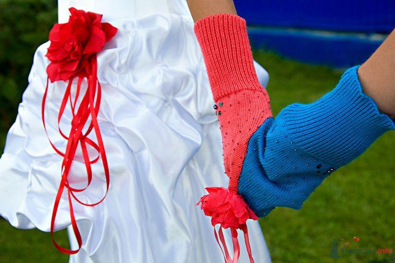 Рукавичка, в виде замка любви, красного и синего цвета, для оформления фотосессии молодоженов - фото 72222 Фотограф Станислав Порай