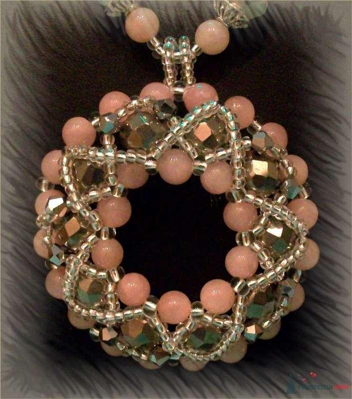 Подвеска из бусин и камней (розовый кварц). Чешский бисер - фото 79277 Невеста01