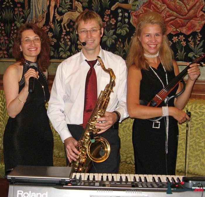 """Трио ШАГИ - фото 107715 """"Шаги"""" - ведущая, саксофонист и кавер-группа"""