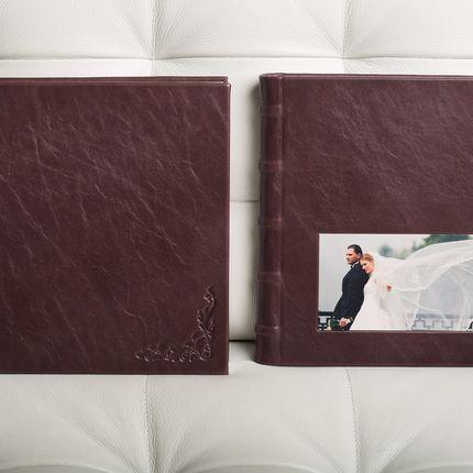 Свадебная книга с фотовставкой и орнаментом