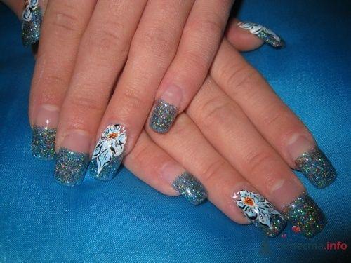 Френч с голубыми блестками - фото 6247 PerfectioNails - наращивание ногтей гелем и акрилом