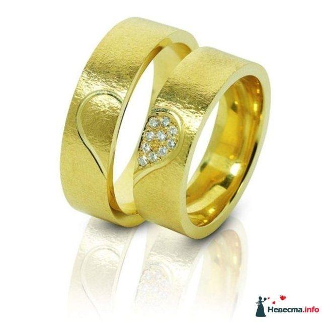 Обручальные кольца с бриллиантами с  резным рисунком в виде сердца. - фото 89288 Лизавета