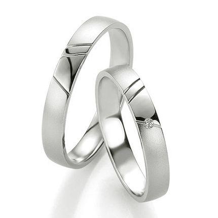 Обручальное кольцо из белого золота на заказ