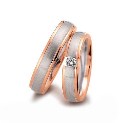 Золотое кольцо двухцветное с бриллиантами на заказ
