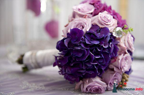Букет невесты из сиреневых роз, ярко-сиреневых и розовых гортензий - фото 111969 Александра Ваш Свадебный Распорядитель