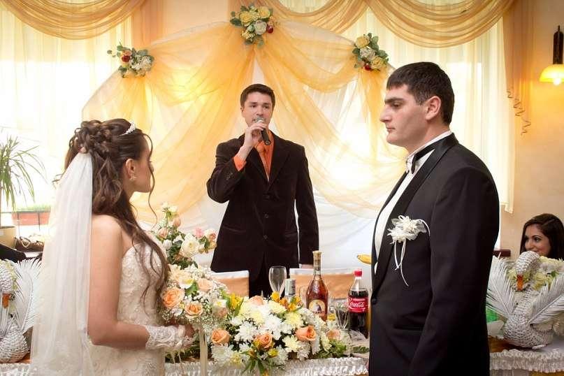 Выездная церемония в ресторане - фото 762809 Ведущий Григорий Разумовский