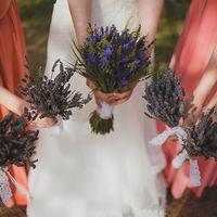 Букеты невесты и подружек из лаванды