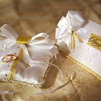 Свадебные приглашения и подушечка для колец