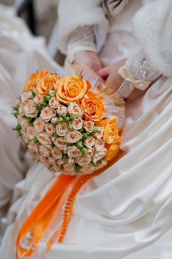 Оранжевые свадебные букеты для невесты из роз, можно