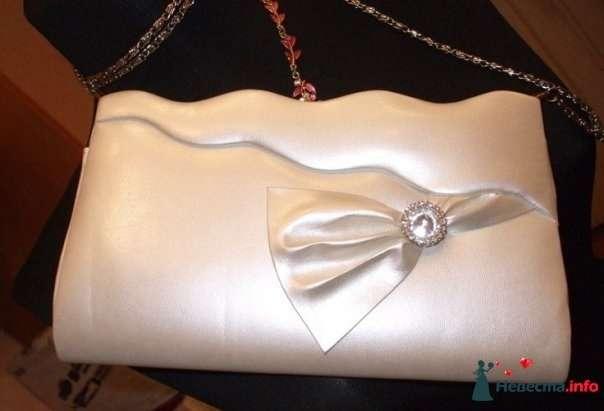 клатч перламутровый - фото 111455 Платье для Золушки - прокат свадебных платьев