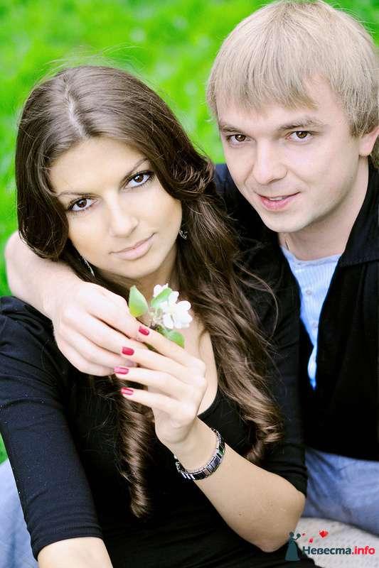 Фото 102444 в коллекции Инара (Inessa18) и Алексей в яблоневом саду - Фотограф Наталья Черкасова