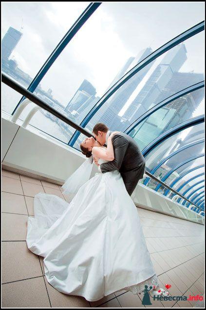 Фото 84388 в коллекции Свадебная фотосъёмка - Невеста01