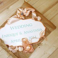 Фигурная табличка для свадьбы. Свадебный декор