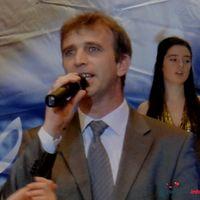 Ведущий, певец, композитор и музыкант С.Можаровский