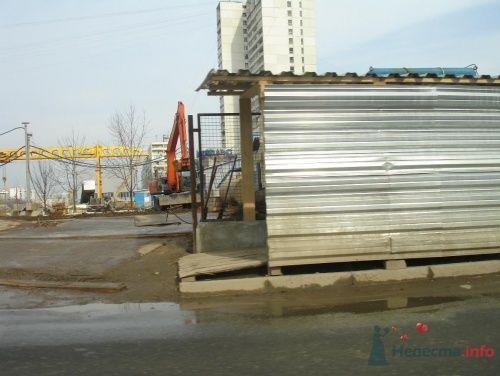 стройка перед рестораном Зазеркалье - фото 13639 Теша